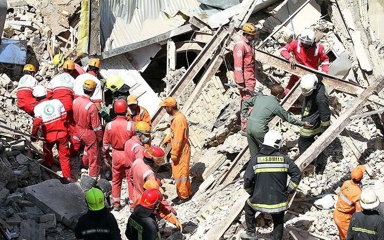 انفجار گاز مجتمع ۴ واحدی در بهارستان اهواز را تخریب کرد/۳ کشته تاکنون