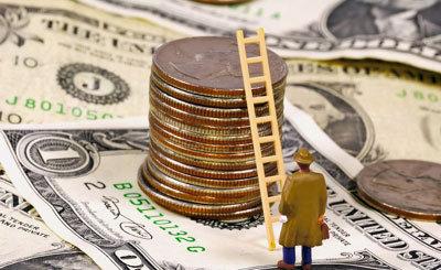 یک زن بازار ارز را دو نیم کرد