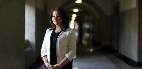 وزیر زن کانادایی که مشهدی از آب درآمد + تصاویر