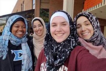 تبلیغ حجاب در دانشگاه آمریکایی