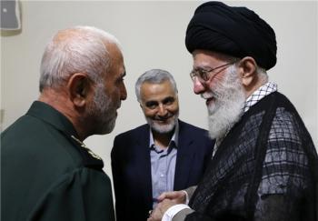 ماجرای آخرین عکس شهید همدانی با سردار سلیمانی/ دعایی که رهبر انقلاب کرد