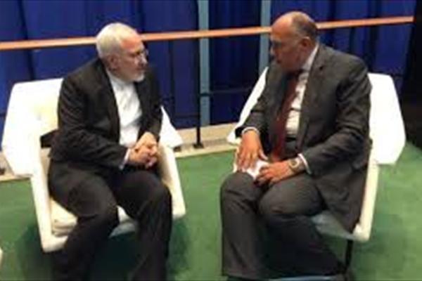 گزارش شبکه الجزیره قطر در پی نصب تصاویر رهبر ایران در قاهره
