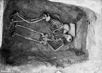 بوسه ابدی عشاق 3000ساله ایرانی را از نزدیک ببینید+عکس