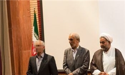 تریبون و جلسات فرهنگی در اختیار یک ملحد/ توهین به عزاداران حسینی و تجلیل از کفر در یک کتاب+تصاویر