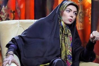 حمله زن روشنفکرنما به قانون، عرف جامعه و حجاب در برنامه جنجالی آزاده نامداری +عکس