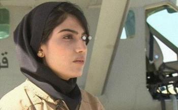 درخواست پناهندگی اولین خلبان زن به آمریکا+فیلم