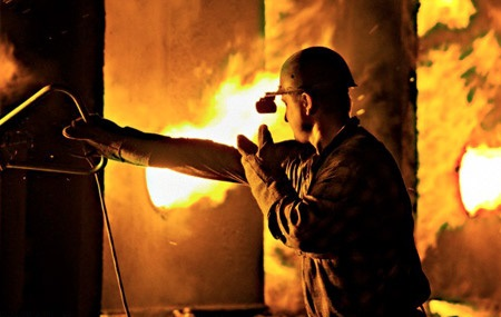 بیکاری ۴۰۰ کارگر با تصمیم سهامداران فولاد زاگرس