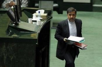 بی توجهی کمیسیون عمران به نامه 50 نماینده برای استیضاح آخوندی / آوانس مکرر به وزیر