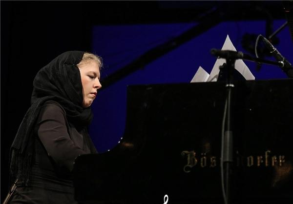 پیانیست زن لهستانی: موسیقی ایرانی را بسیار دوست میدارم/ همسر ایرانی اختیار کردم و به ایران مهاجرت کردم