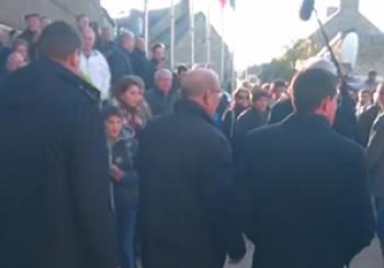 سیلی خوردن نخست وزیر سابق فرانسه از جوانی 18 ساله! + فیلم