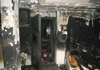 مرد جوان زنده زنده در آتش سوخت/ نجات ۸ نفر از مرگ حتمی + تصاویر