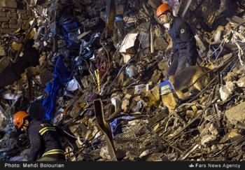 پیدا شدن پیکر دومین آتشنشان از زیر آوار