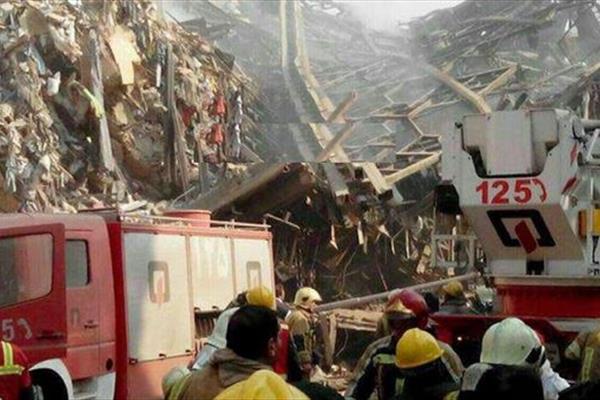 حمله ناجوانمردانه به آتشنشانان قربانی حادثه پلاسکو