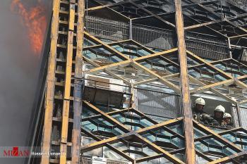 ماجرای خروج یک آتش نشان از زیرآوار ساختمان پلاسکو
