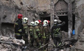 قطعات بدن پیدا شده از آوار پلاسکو شاید متعلق به آتشنشانها باشد