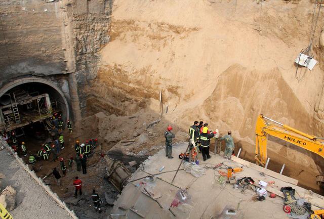 پیکر 2 کارگر حادثه مترو قم پیدا شد/ اعلام اسامی جانباختگان