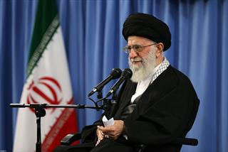 خاطره رهبرانقلاب از سفر به بوسنی/واکنش جالب آن ها نسبت به چادر زنهای هیأت ایرانی