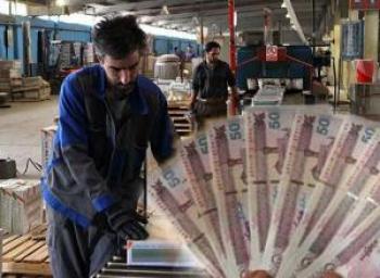 مشمولان قانون کار بخوانند/عیدی پایان سال کارگران چگونه محاسبه میشود؟