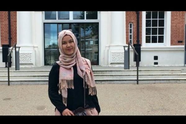 دختری که به خاطر حجاب نتوانست سوار هواپیما شود