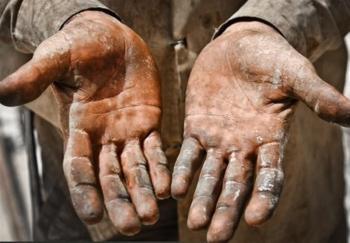 دستهای خالی کارگران و اردیبهشتِ پُر از وعده