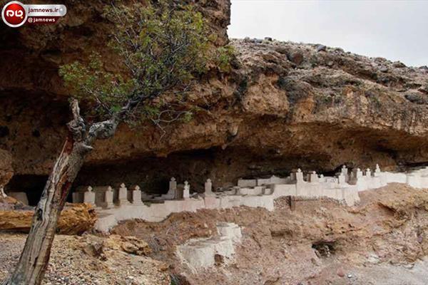 قبرستانی عجیب در سیستان و بلوچستان+تصاویر