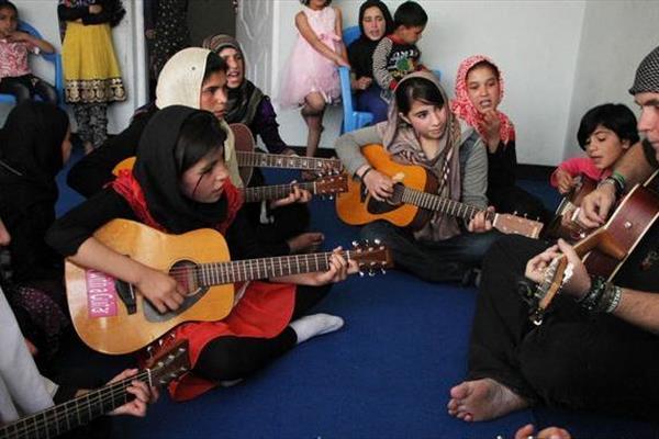رفندی جذاب برای جلب نظر دختران بی خانمان +عکس