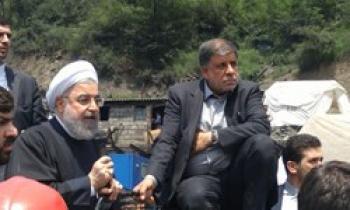 آسوشیتدپرس: معدنچیان خشمگین به خودروی روحانی یورش بردند/منابع دولتی ساکتند