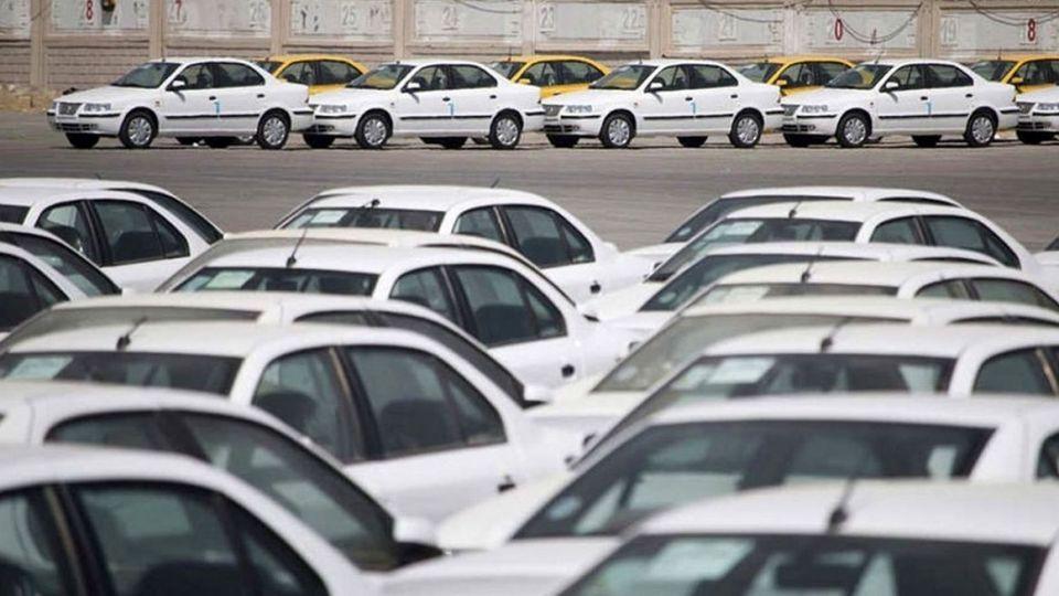 سرنوشت قیمت خودرو در ۱۴۰۰/ احتمال تغییر شیوه نرخگذاری چقدر است؟
