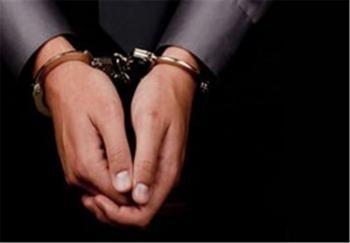 بخشداری که با ماشین فرماندار با مامور پلیس برخورد داشته بازداشت شد