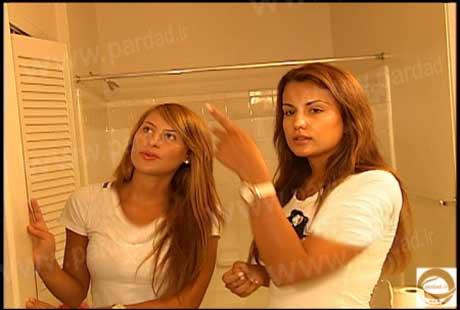 دختران دانشجو بعد از پیدا شدن دوربین مخفی در اتاق خواب و حمام شوکه شدند!!!+عکس