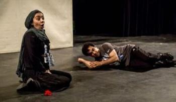 اجرای ۷۰ دقیقه تئاتر رکیک جنسی در خانه هنرمندان +عکس