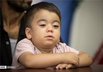 نحوه  فرار کودک دو ساله از چنگال داعش در مجلس +تصاویر