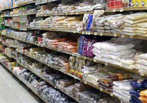 دستور عجیب سران سعودی/ غارت فروشگاههای قطری در خاک عربستان!