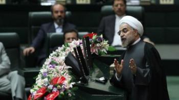 رد پای احمدی نژاد در سوال نمایندگان از روحانی