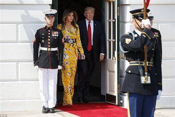 این لباس ملانیا ترامپ یک شبه 700 هزار دلار فروش رفت +عکس