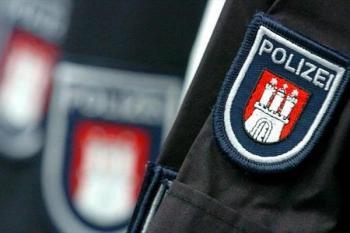 ماموران پلیس در یک پارتی بی شرمانه/برقرای رابطه جنسی پلیس زن و مرد در برابر دیگران!+عکس و فیلم