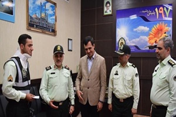 ماجرای عجیب نجات کودک ۱.۵ ساله توسط پلیس ایرانی+عکس