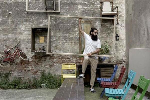 کار خطرناک هنرمند ایرانی در میلان/ روایتی از علاقه ایتالیایی ها به احمدی نژاد +عکس و فیلم
