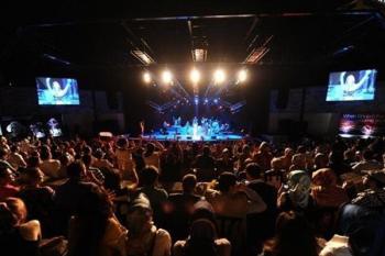 تفکیک جنسیتی برای خلاصی از شرّ مردان بوالهوس در کنسرت!