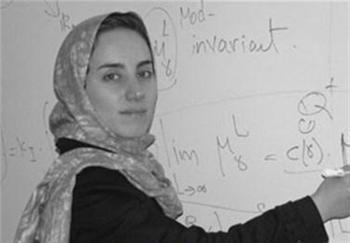 عکسی جالب از نابغه زن ایرانی در کنار آیت الله هاشمی که امروز فوت کرد
