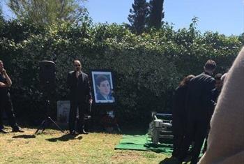 عکس/ مراسم غریبانه خاکسپاری مریم میرزاخانی در آمریکا