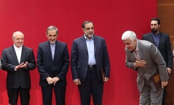 چه کسانی در مراسم معرفی رئیس جدید دانشگاه آزاد غایب بودند؟