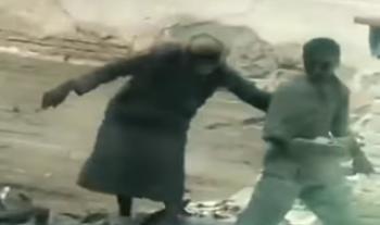 فیلمی تکاندهنده از خشونت یک پدر با پسر بیمار خود در مکه!