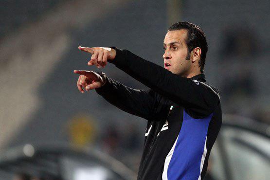 علی کریمی از سمت مربیگری نفت تهران استعفا کرد