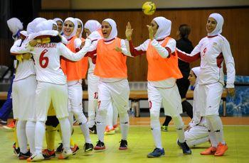 حاشیههای بازی فوتسال زنان ایران-ایتالیا؛ با حجاب بازی نمی کنیم!