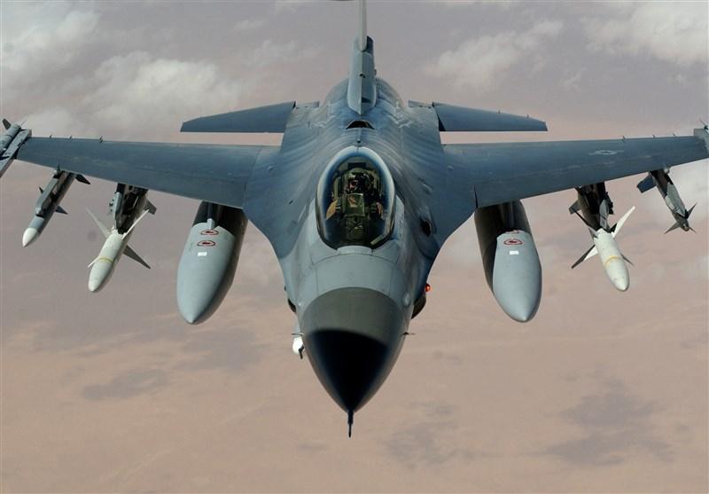 خلبانهای جنگندهای آمریکایی در وضعیت «آمادهباش» قرار گرفتند