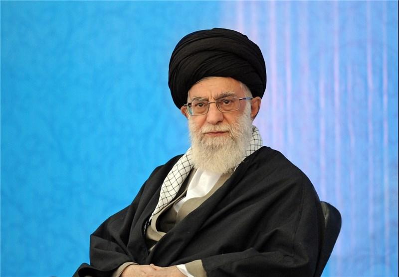 حضور رهبری شب گذشته در یکی از محلات تهران+عکس