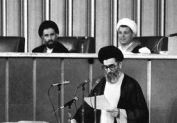 آیا رهبری آیت الله خامنهای موقت بود؟