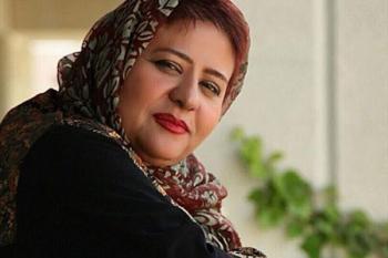 رابعه اسکویی کشف حجاب کرده به ایران بازگشت و چادری سر از حرم از حضرت معصومه درآورد +عکس