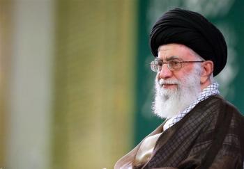 آیت خامنهای: جوان دانشجو باید زمان کنونی و تحولات آن را بشناسد